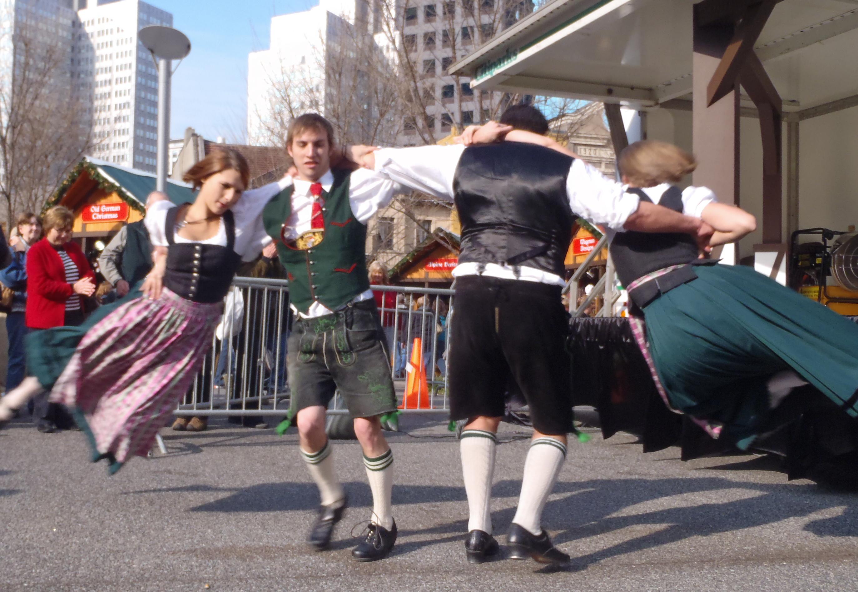 Kreuz Konig dance